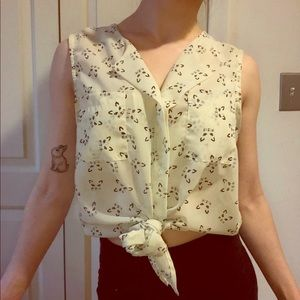 Sleeveless Tie Front Blouse - Small